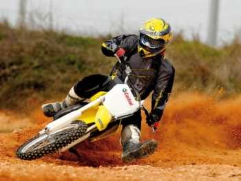 Consejos maniobras de emergencia en motos Motos