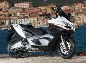 Moto Aprilia SRV 850 Motos