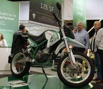 Moto Supermotard MZ 125 SF Motos