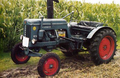 Tractor Hanomag R 12 Tractores