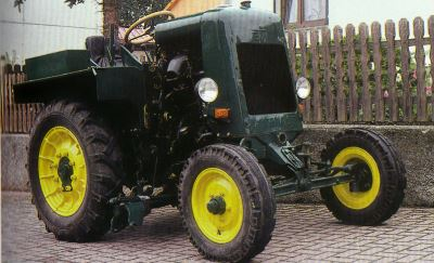 Tractor RS 03/30 Aktivist Tractores