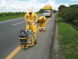 Equipo de emergencia y carretera vial