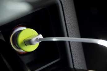 Cargador universal para coche IDAPT i1 Eco