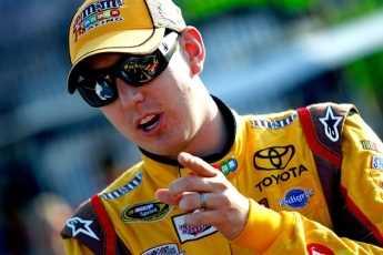 Piloto de NASCAR capturado a exceso de velocidad